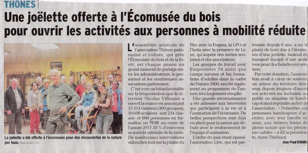 Article Dauphiné Libéré Remise officielle donation joëlette Ecomusée du Bois